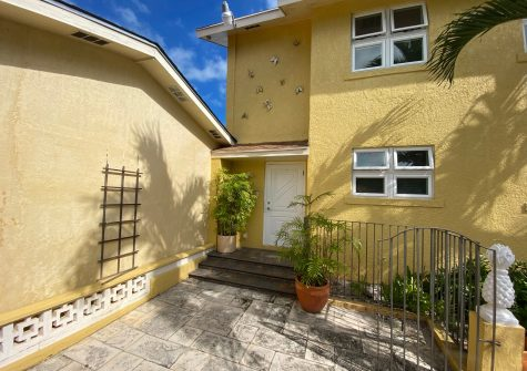 Unfurnished | 2 Bed | Pet Friendly | Sans Souci